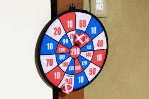 「ダーツボールゲーム」100均で見つけた室内遊び