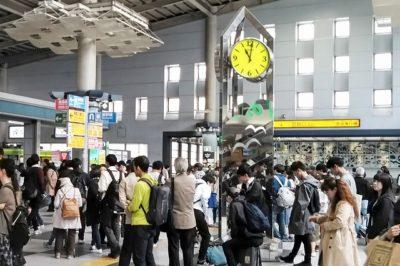 JR品川駅「中央改札」前の時計台
