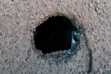 エアコン用の配管パイプ穴をふさぎたい!
