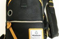 ビアンキのワンショルダーバッグを買った! 財布やスマホを入れて持ち歩くのにオシャレで便利!